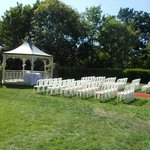 THE WEDDING GAZEBO SET UP