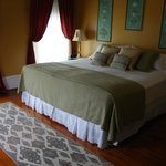 Tuscan Room (King Bed)