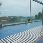 Tanawin Resort and Luxury Apartments resmi