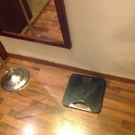Weighing scale (!)