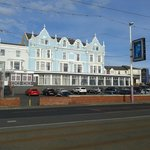 Photo de BEST WESTERN Carlton Hotel