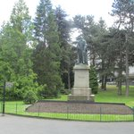 Statue of Lord Kelvin at the Entrance