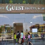 The Guest Hotel & Spa resmi