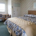 Harbor Inn King Motel Room