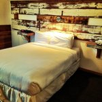 Awesome re-purposed wood headboard