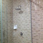 I like the design of the shower area. It allow water to be drained away quickly.