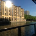 St Christopher's Canal Paris resmi