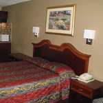 Foto Travel Inn & Suites Flemington