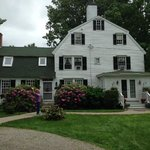 Waldo Emerson Inn Bed and Breakfast resmi