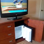 "42"" Flat Screen Swivel TV"