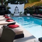 Chateau Marmont-esque pool