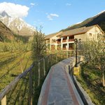 Foto de Banjara Camp &  Retreat - Sangla Valley Camp