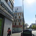 Photo de Appart'City Paris Clichy Mairie