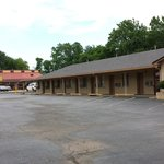 PHONE: 903-742-9291   TEXAS INN WITH LARGE PARKING LOT