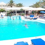 Photo de Poseidon Beach Hotel