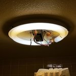 Bathroom light fixture Econolodge Carlsbad