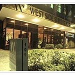 West Side Suite Hotelの写真