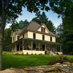 The Buck House Inn on Bald Mountain Creekの写真