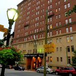 Wyndham Baltimore Peabody Court resmi