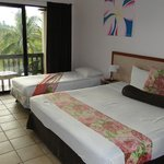 Anchorage Beach Resort resmi