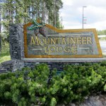 Mountaineer Lodge sign