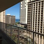 Photo de Wyndham at Waikiki Beach Walk