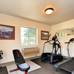Exercise Room - Quality Inn