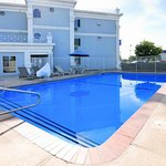 Swimming Pool - Quality Inn