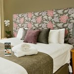 4. main bedroom king size _ ensuite_soft furnishings_beadheads made in melbourne