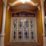 The Baba House resmi
