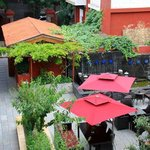 Photo de Red Wall Garden Hotel