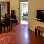 Foto de Holiday Inn Express Hotel & Suites Montreal Airport