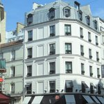 exterior of Hotel Monceau Elysees