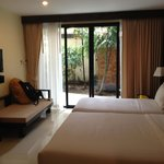 Sunrise Tropical Resort resmi