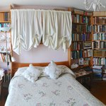 Foto de Sanctuary Bookshop and Booklover's B&B