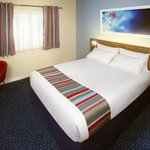 Travelodge Camberley Central resmi