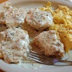 Cheedar Jajapeno Biscuits and GRavy.