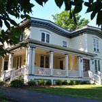 Finger Lakes Bed & Breakfast resmi
