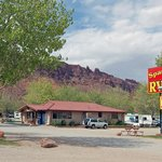 Spanish Trail RV Parkの写真