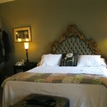 queen bed/private bath