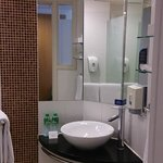 Holiday Inn Express Causeway Bay resmi