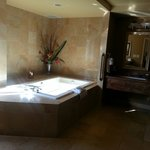 The huge bathtub.