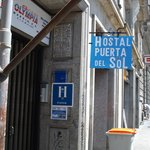 Photo de Hostal Puerta del Sol
