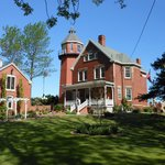 ภาพถ่ายของ Braddock Point Lighthouse B&B Bed & Breakfast