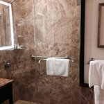 Granite bathroom and Hawaiian aloe toiletries