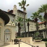 Photo de Hotel Galvez & Spa, A Wyndham Grand Hotel