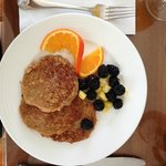 wholemeal  berry oatcakes
