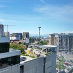 Photo de SpringHill Suites Seattle Downtown/South Lake Union