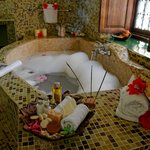 Grand Suite Kijani - Bathing Deluxe...
