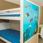Kid's Bunk Bed Suite
